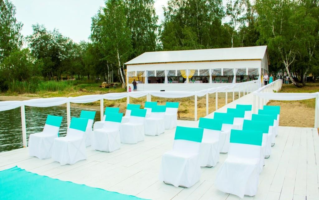 Пирс и свадебный шатер