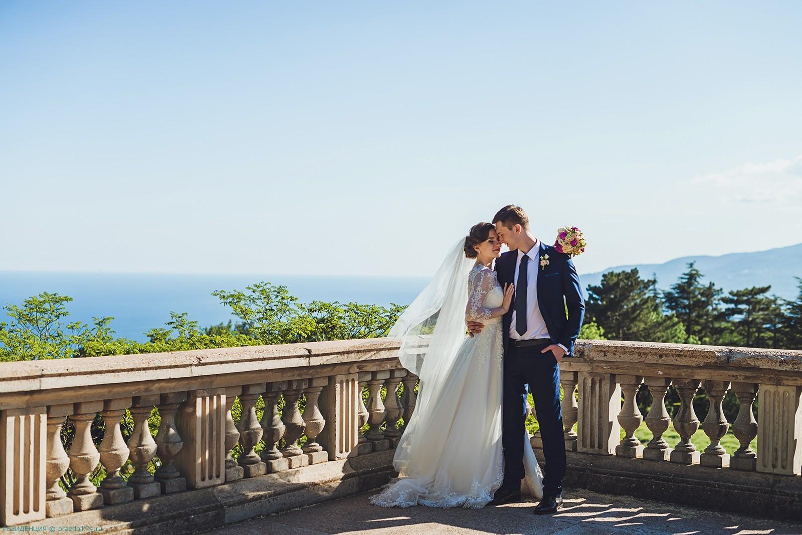 Свадьба в замке в Крыму